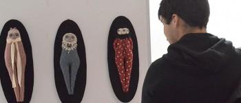 "Artista Marta Navarrete expone ""Muñecas"" en Biblioteca UPLA"