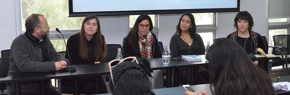 Tres experimentadas mujeres dieron vida a diálogo de diseño en la UPLA