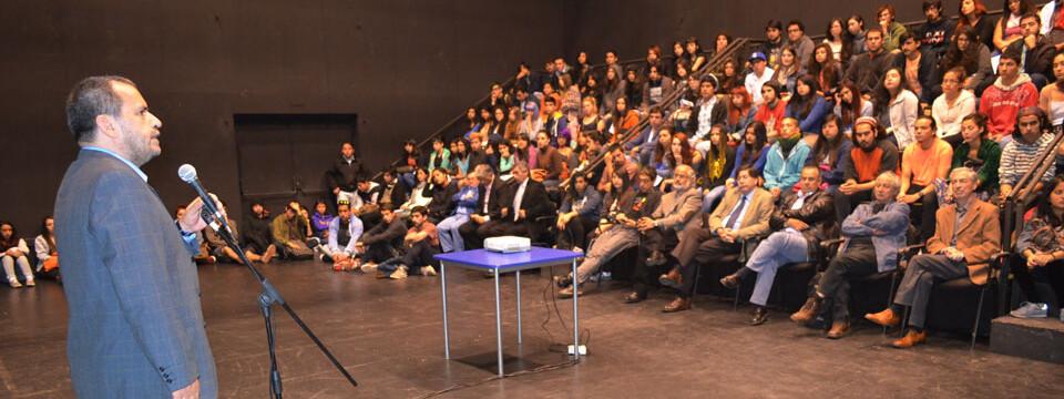 Facultad de Arte recibe a más de 200 nuevos estudiantes