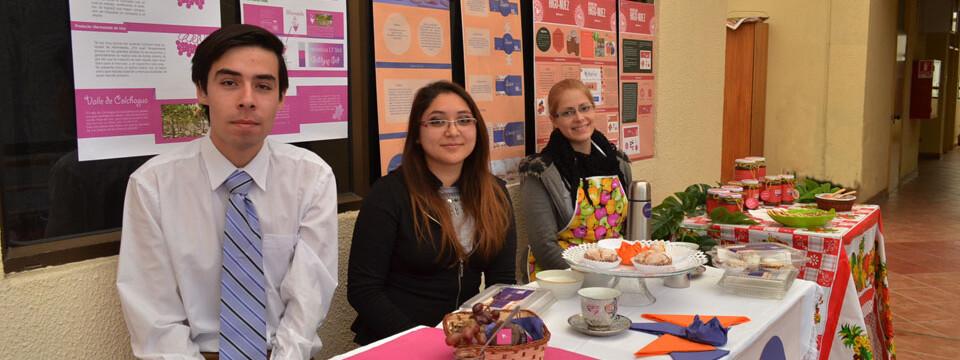 Estudiantes de Diseño presentan muestra alimenticia en la Facultad de Arte