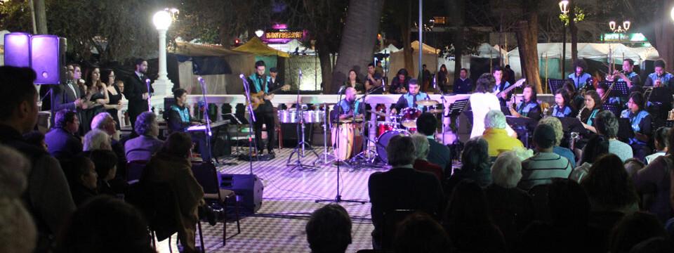 Exitosa presentación de Big Band UPLA en Plaza de Armas de San Felipe