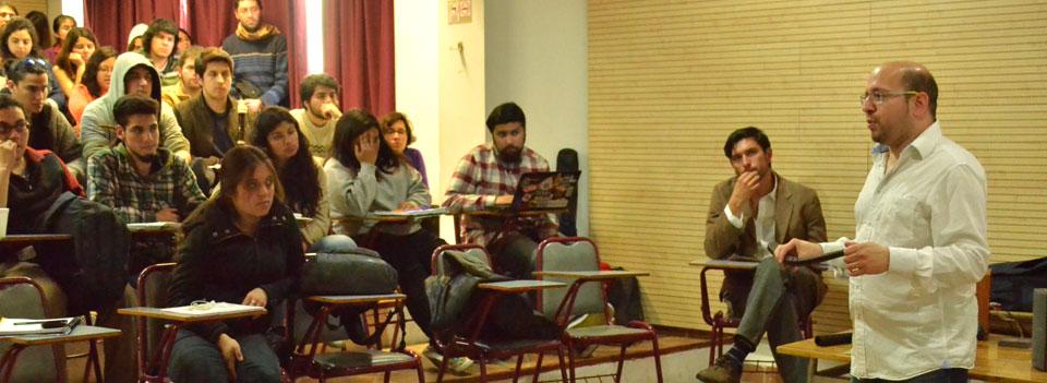 Gustavo Gargiulo dictó clase magistral de música antigua en la UPLA