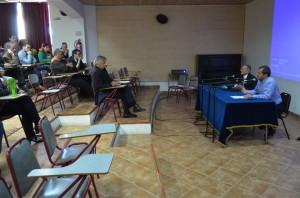 Ambos postulantes presentaron sus programas ante académicos, funcionarios y estudiantes