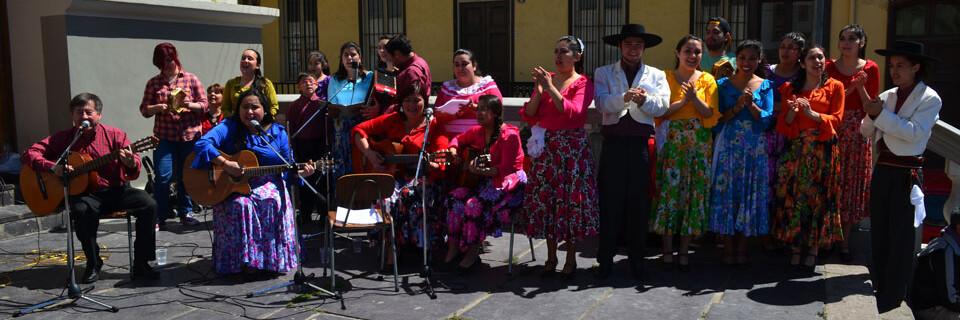 Conjunto Puerto Claro de la UPLA cierra celebraciones patrias de Iglesia La Matriz