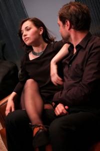 La obra es interpretada por Nelly Carrasco y Alberto Zeiss