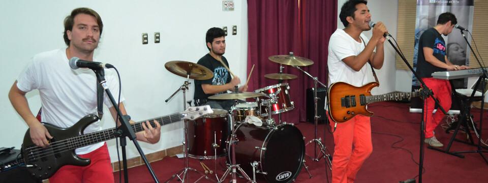 """Grupo de rock """"Signuz"""" se presentó en Temporada de Conciertos de la UPLA"""