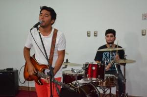 """Alamiro Arias, vocalista y guitarrista de """"Signuz"""""""