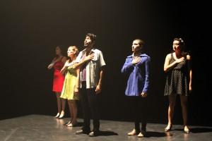 Alumnos de la carrera de Teatro UPLA
