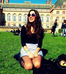 Virginia Benítez actualmente cursa un doctorado en Sciences de l'éducation en la Universidad París Descartes, Francia